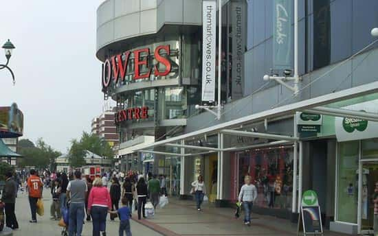 An image showing Marlowes Shopping Centre in Hemel Hempstead in 2006.